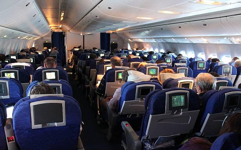 小心感染「機艙惡菌」,搭飛機別「這樣穿」